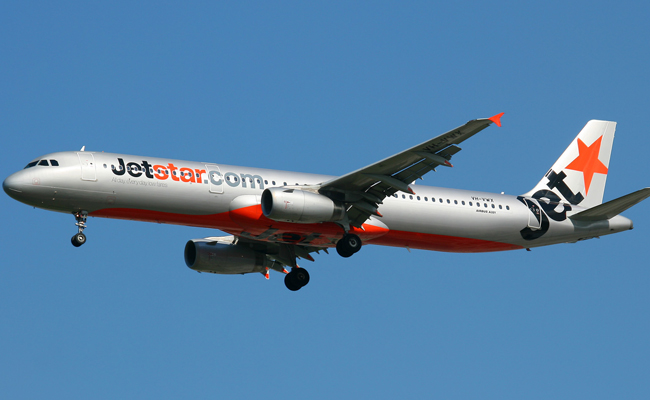 ve may bay gia re cua hang jetstar